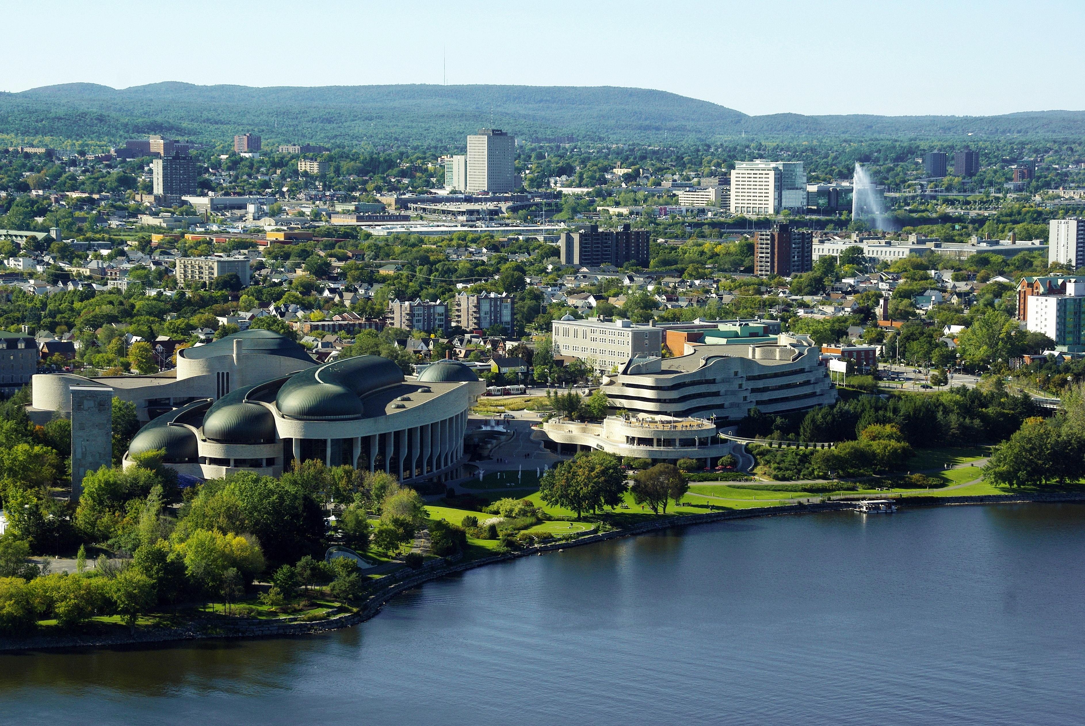 Vieillissement de la population : plusieurs municipalités en « fort danger de fermeture »